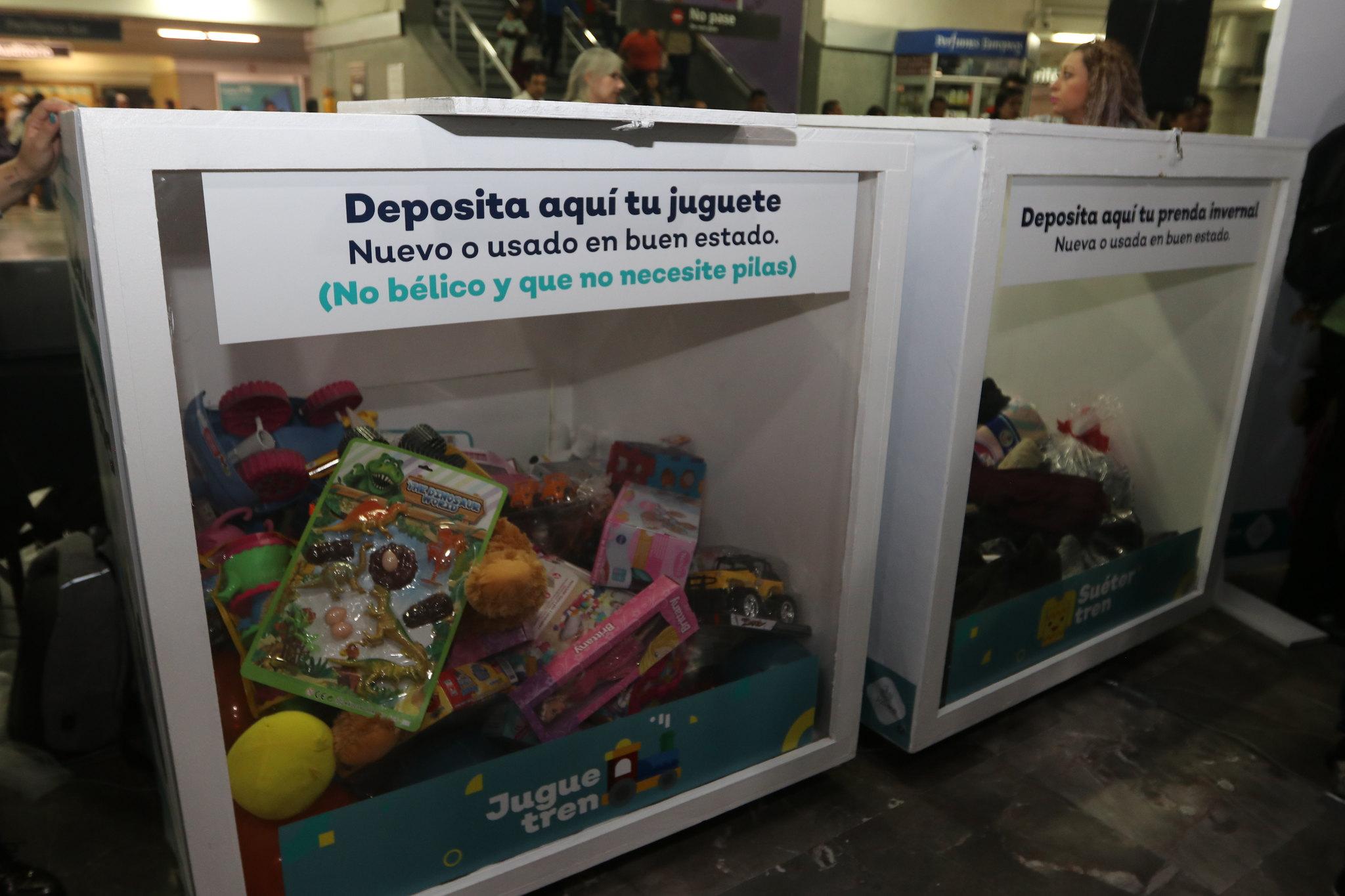 Los donativos para las campañas JugueTren y SuéterTren pueden depositarse en contenedores ubicados en estaciones del Tren Ligero y Macrobús.