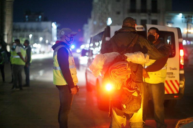 Brigadas nocturnas para atención a personas en situación de calle
