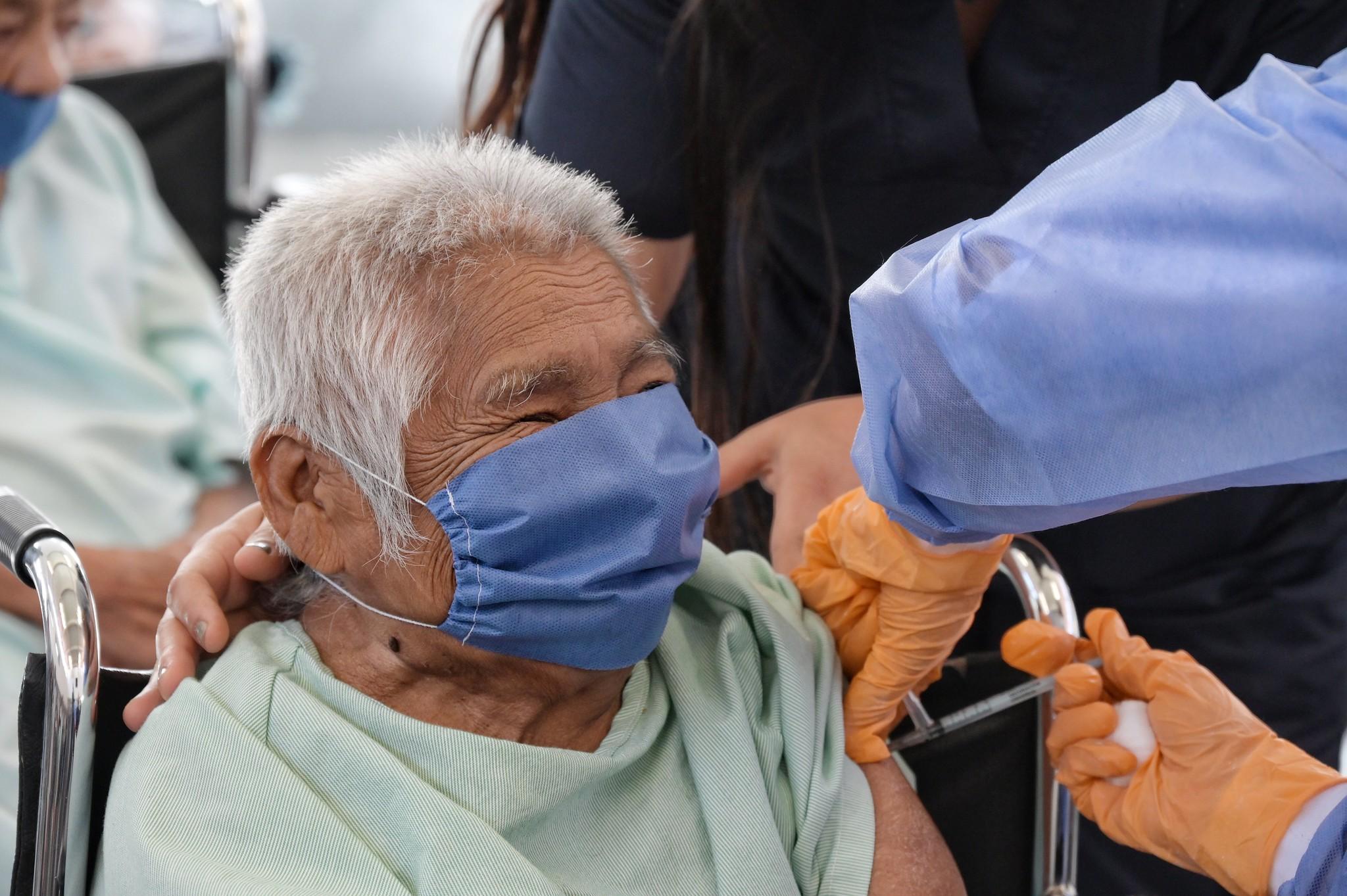 Vacunación contra COVID-19 en Casa Hogar para Personas en Situación de Calle.