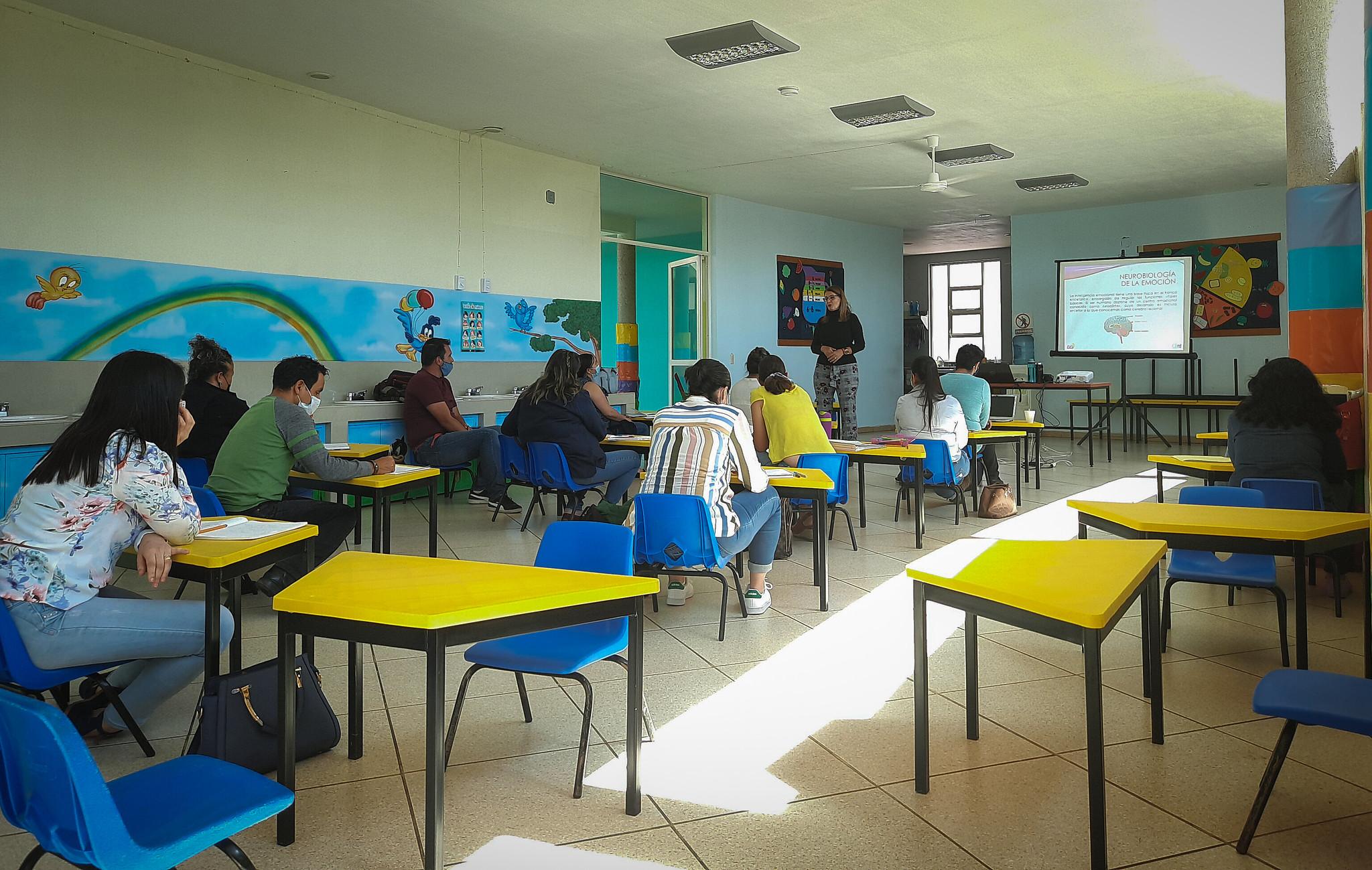 Capacitación para personal de Centros de Atención Infantil de los DIF municipales en la Región Altos Sur.