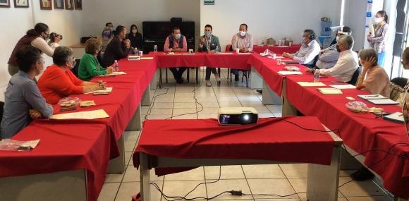 Mesa de trabajo para fortalecer atención en el Centro Cien Corazones