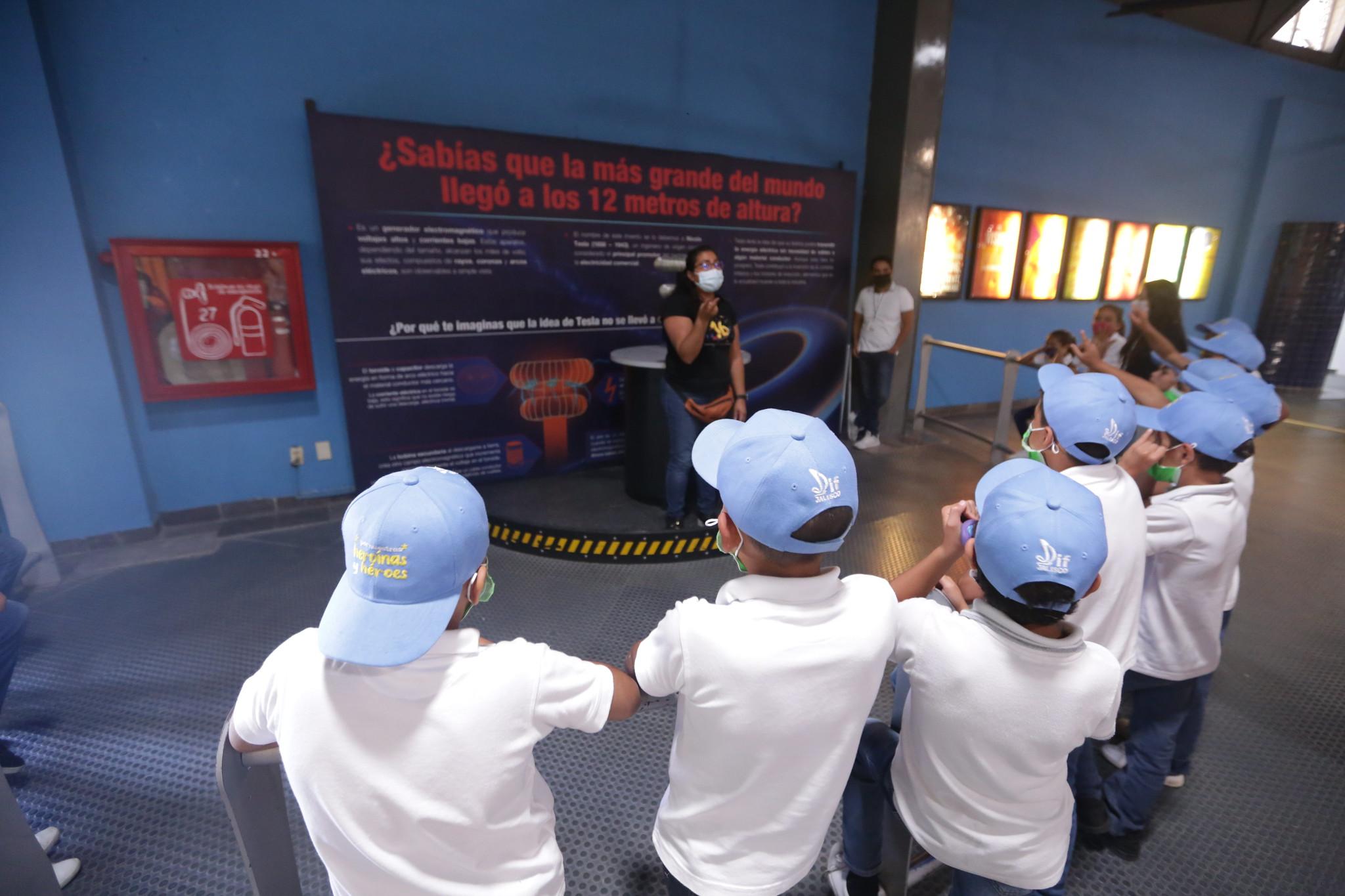 """Programa """"Construyendo Familias"""" de la ONUDD organizó jornada de reflexión en el Museo Trompo Mágico."""