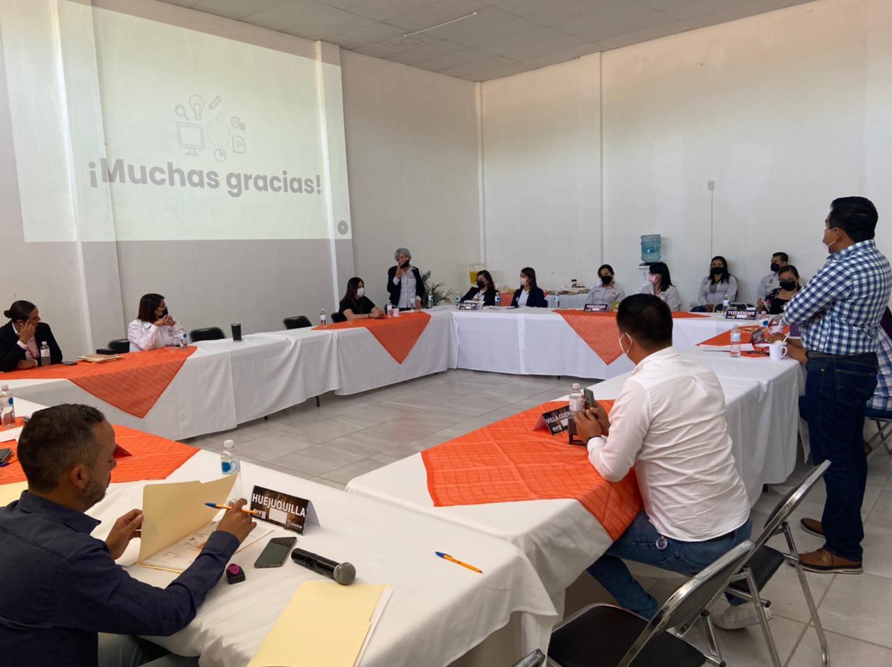 DIF Jalisco realiza reuniones regionales para capacitar a los encargados de programas de Desarrollo Comunitario.