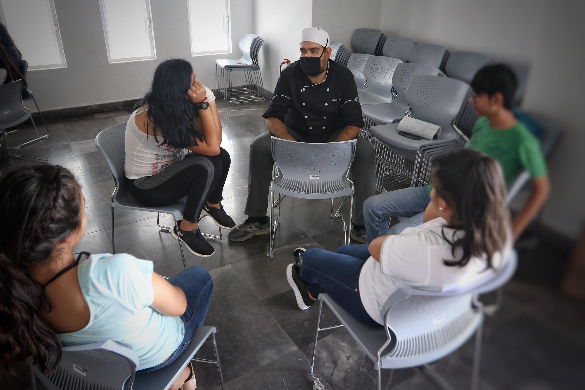 """Residentes del Centro """"Cien Corazones"""" serán integrados al Programa """"Órale""""."""