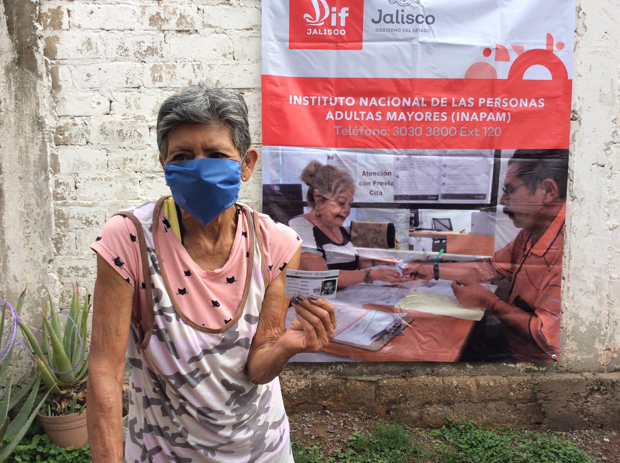 Personas adultas mayores de El Salto obtuvieron su credencial INAPAM en Módulo Itinerante de DIF Jalisco.