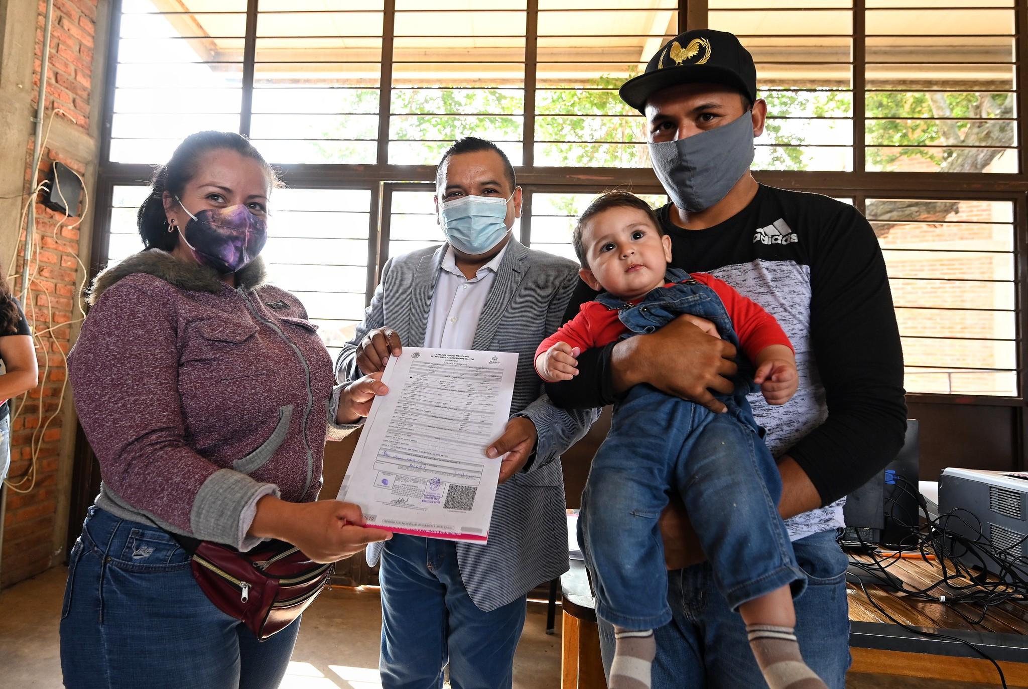 Con la entrega del Acta de Nacimiento, se restituye el Derecho a la Identidad de niñas, niños y adolescentes.