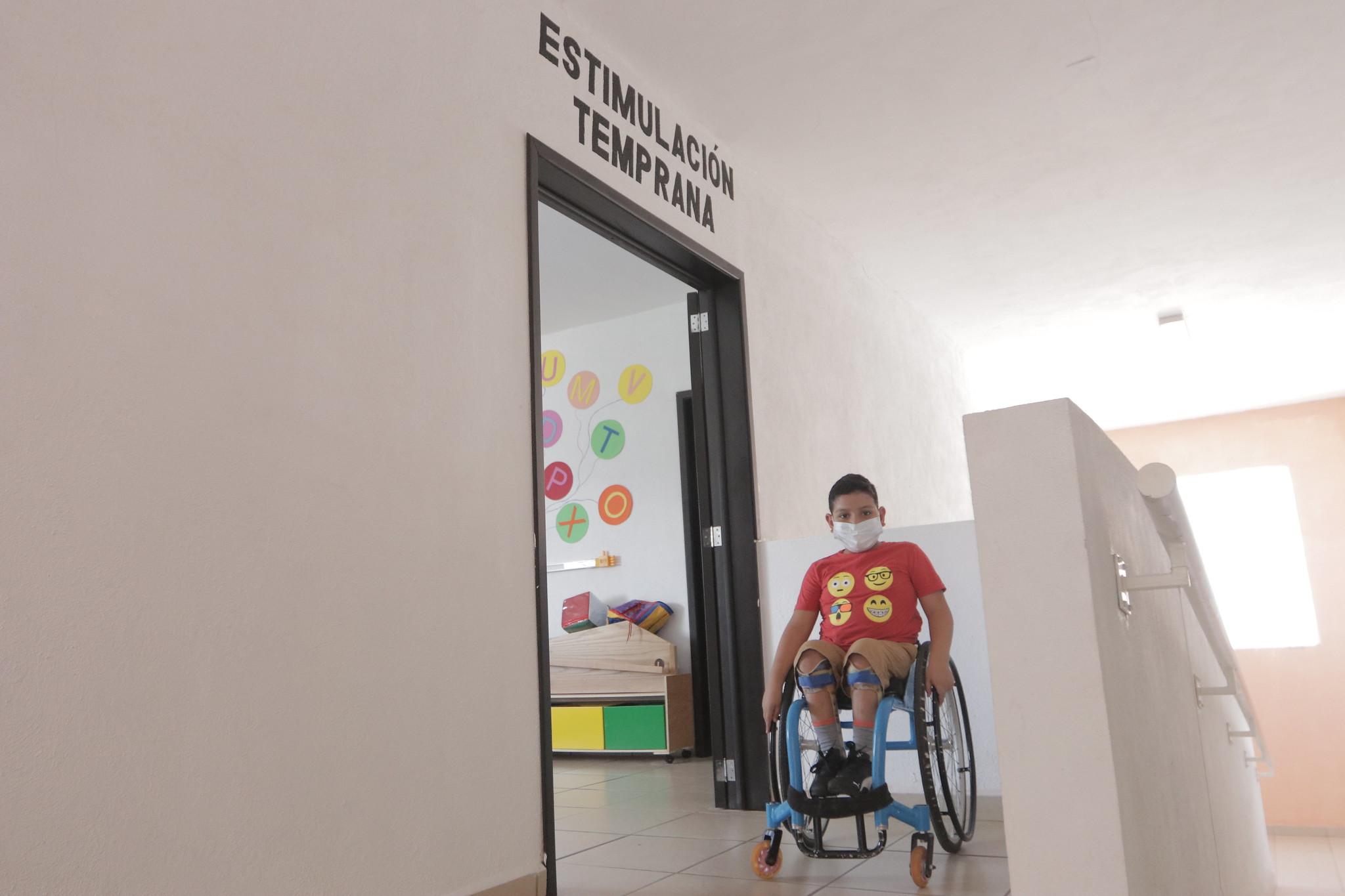 La Unidad Regional de Rehabilitación del municipio de El Grullo recibió nuevo equipamiento para mejorar atención.