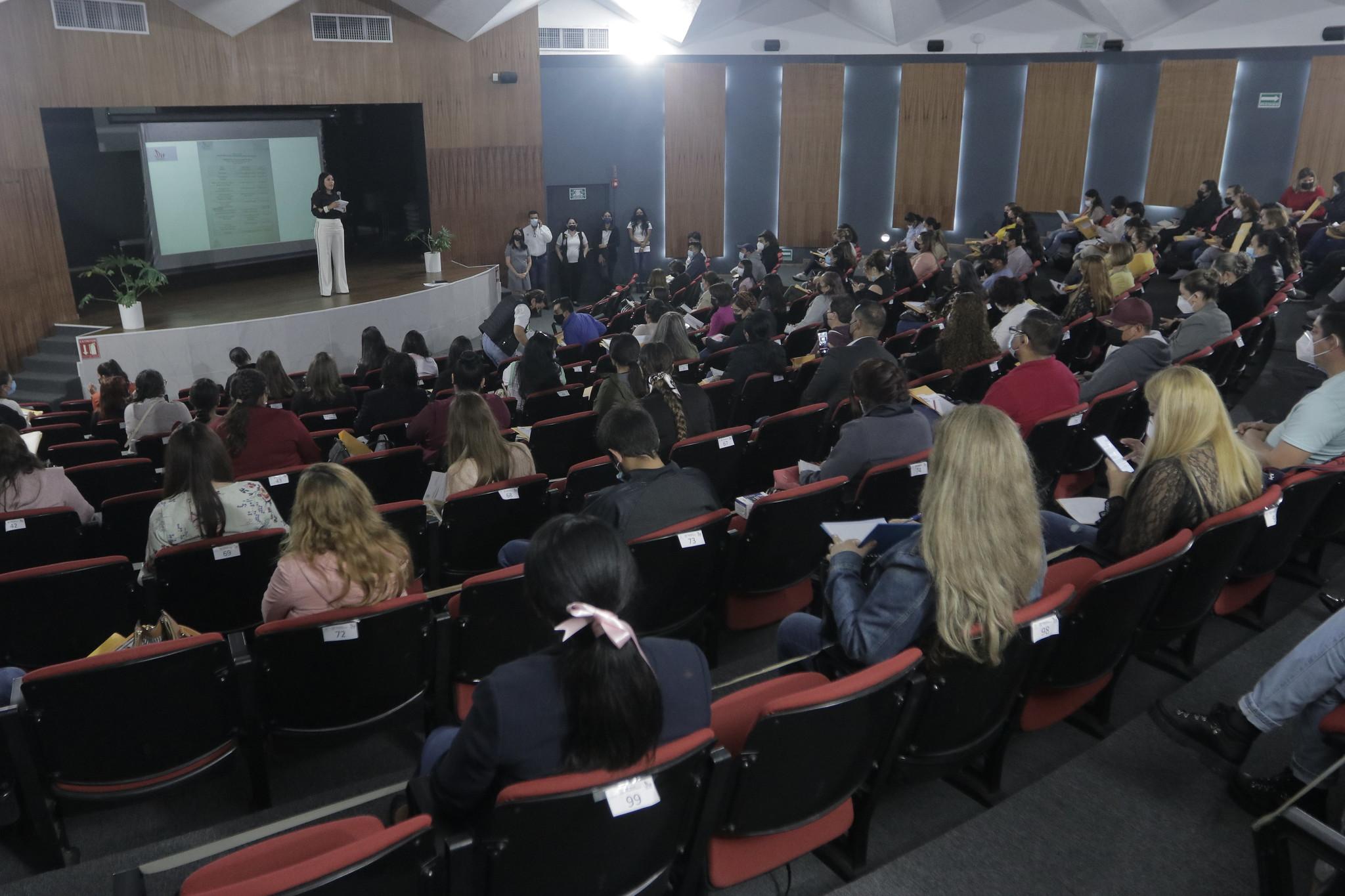 Capacitación para levantamiento de Padrón de Beneficiarios 2022 del Programa de Desayunos Escolares en DIF Jalisco.